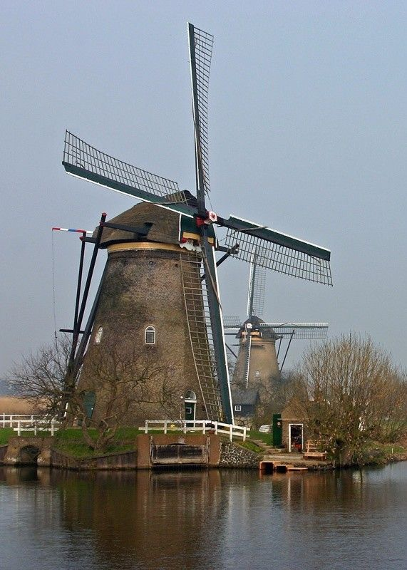 Moulins à vent, moulins à eau  5c9a0c08