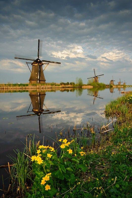 Moulins à vent, moulins à eau  A789b83e
